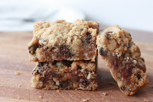 Gooey Chocolate Chip Caramel Oat Squares